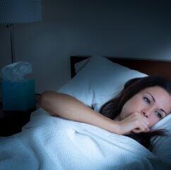 Kaszel w nocy - przyczyny, sposoby leczenia